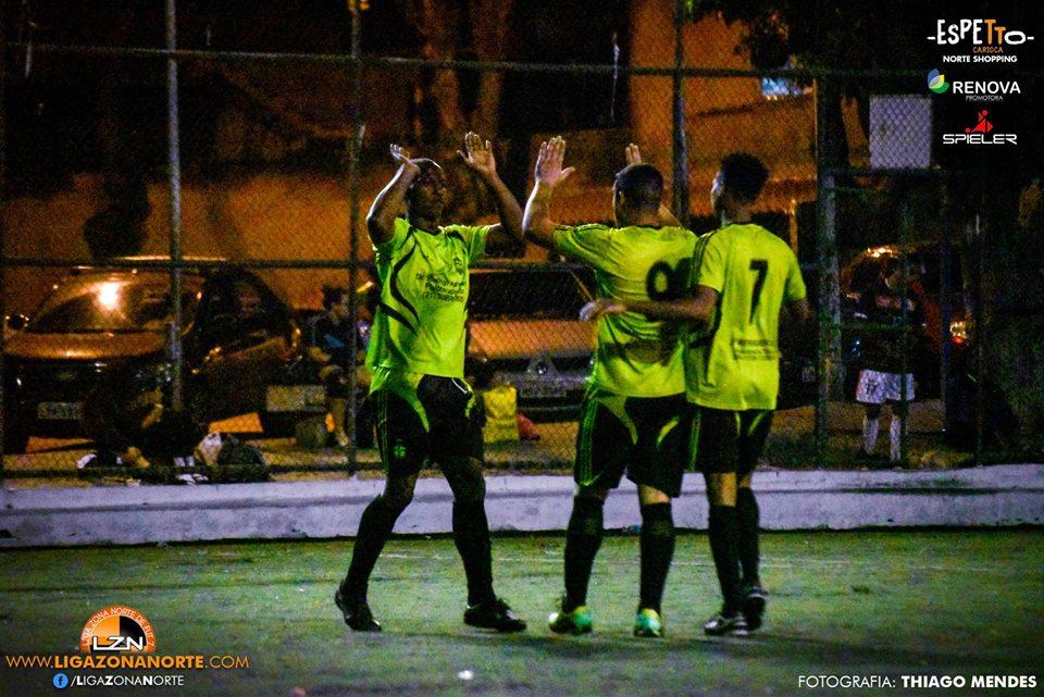 Laranjinha 2                                                             x                                                                 Galaxy FC 4