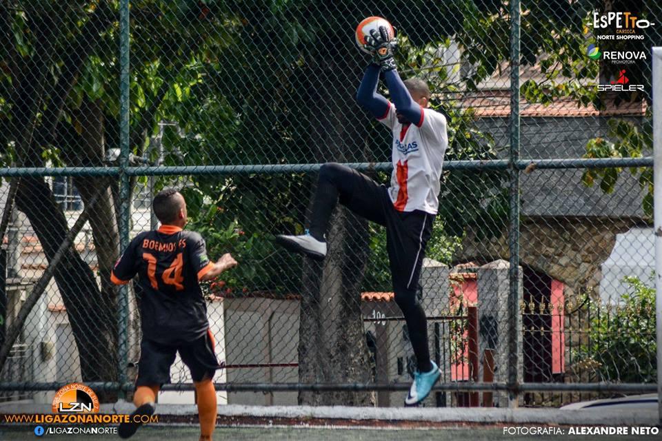 Enverga Mas Não Quebra FC 0                                                             x                                                                 Boêmios 11